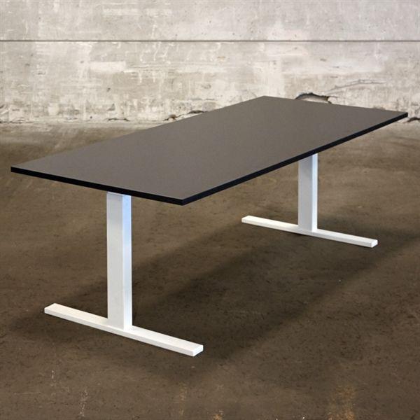 Image of   El hæve sænkebord. Ny sort plade på hvidt stel. Mål: 180 x 80 cm. NYT.