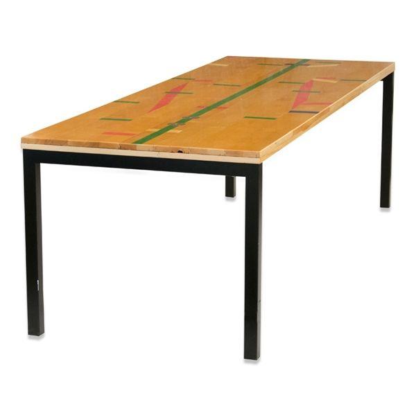 Image of   Konferencebord. Genbrugsgulvplanker med sort stel.