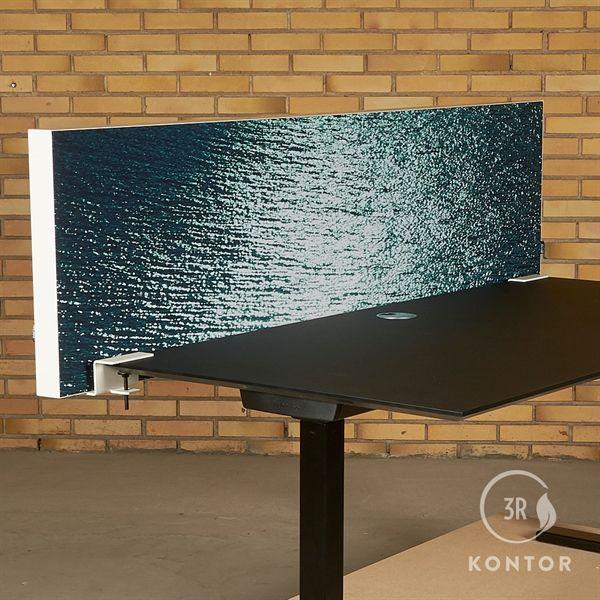 Akurat bordskærm. Blå / Mønstret med hvid ramme - 176x50