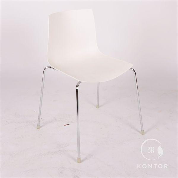 Image of   Arper konferencestol, hvid plastic, krom stel.