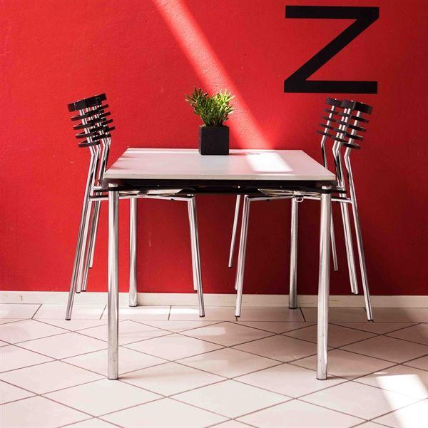 Image of   Flot kantinesæt fra Randers + Radius.4 stole + 1 bord