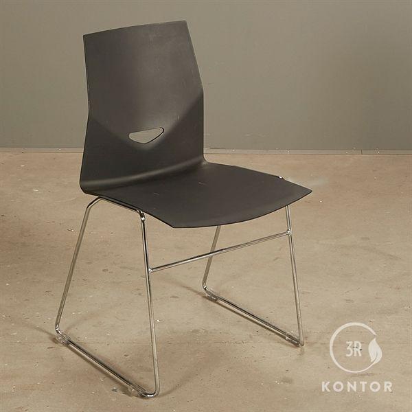 Image of   Four Design konferencestol. Sort plastic, krom meder.