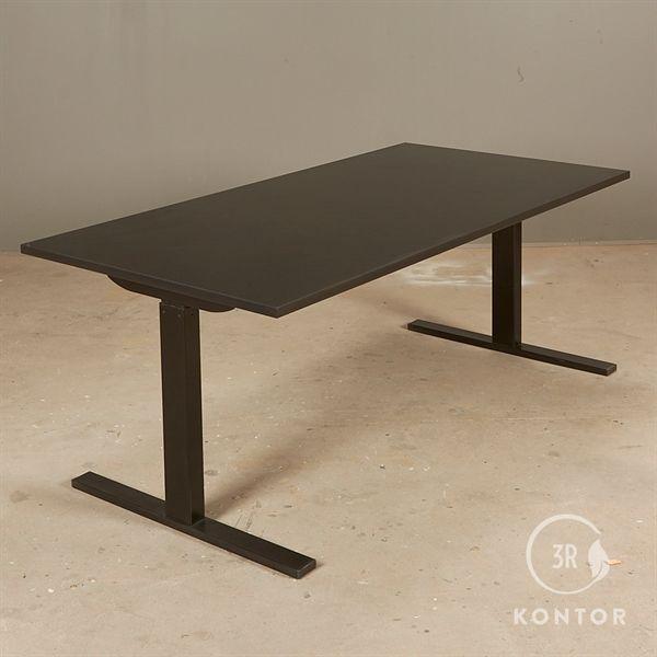 Image of   Hæve sænkebord. Sort laminat, sort square stel, 160x80 - NYT