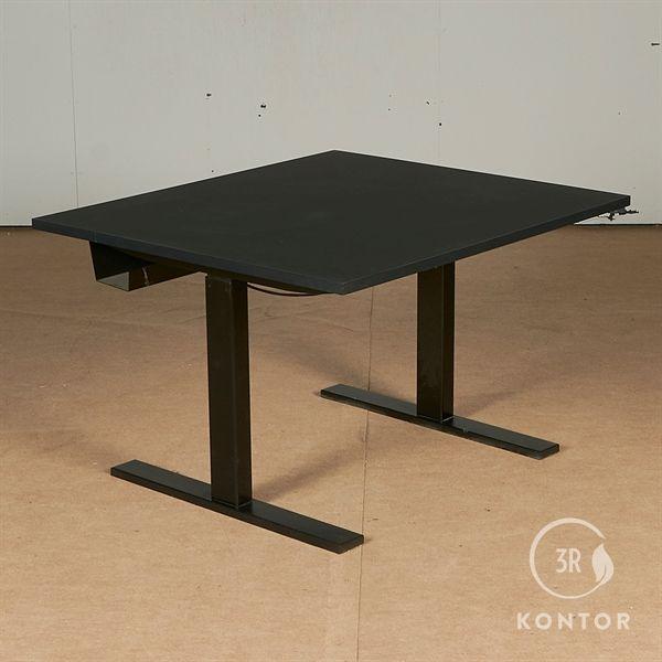 Image of   Hæve sænkebord. Sort nanolaminat. Sort stel. 100x90
