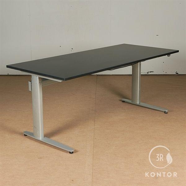 Image of   Hæve sænkebord. Sort på gråt stel. 180x80