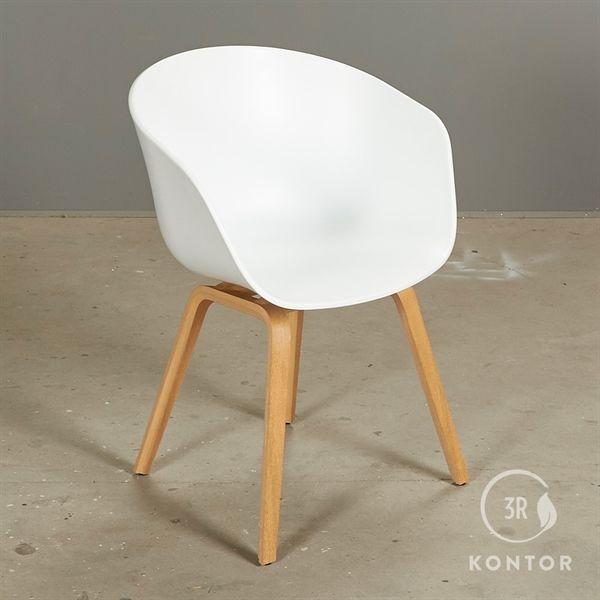 Image of   HAY About a chair. Hvid skal med egeben.
