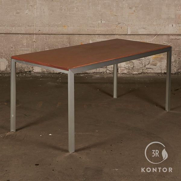 Image of   HAY Tango konferencebord i valnød og Alu stel.