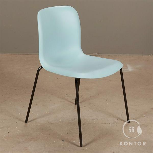 Image of   Howe SIxE konferencestol i blå plast og sorte ben.