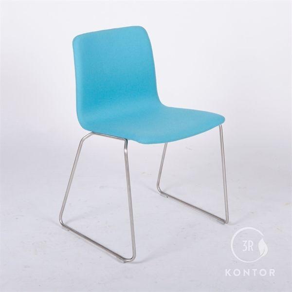 Image of   Kantinestol, blåt stof, stabelbar