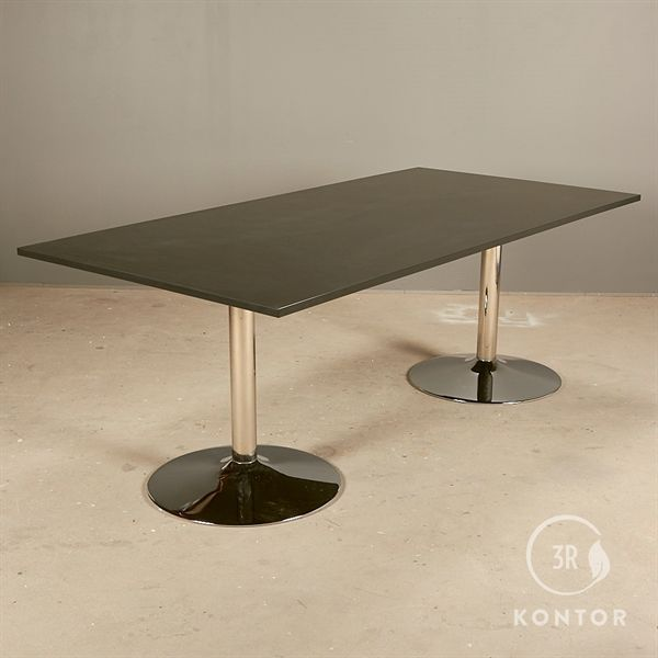 Konferencebord. Sort laminat. Rektangulær. Krom søjler. 200x100 - NYT