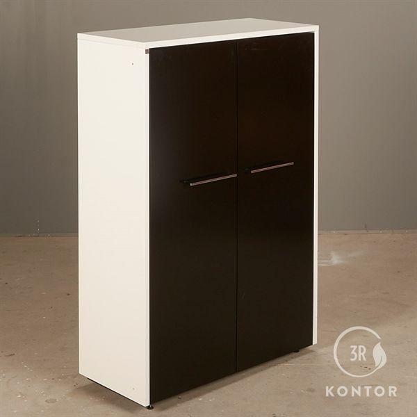 Image of   Kontorskab. Dencon. Hvid laminat med 2 store sorte låger.