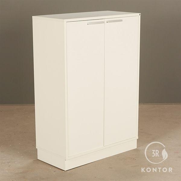 Image of   Kontorskab. Hvid med 2 låger og mørkeblåt filt bagpå.