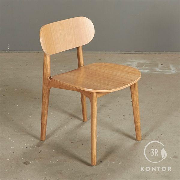Image of   Modus chair i eg og massive egeben.