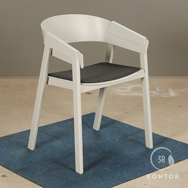Image of   Muuto Cover Chair i grå med sædepolstring