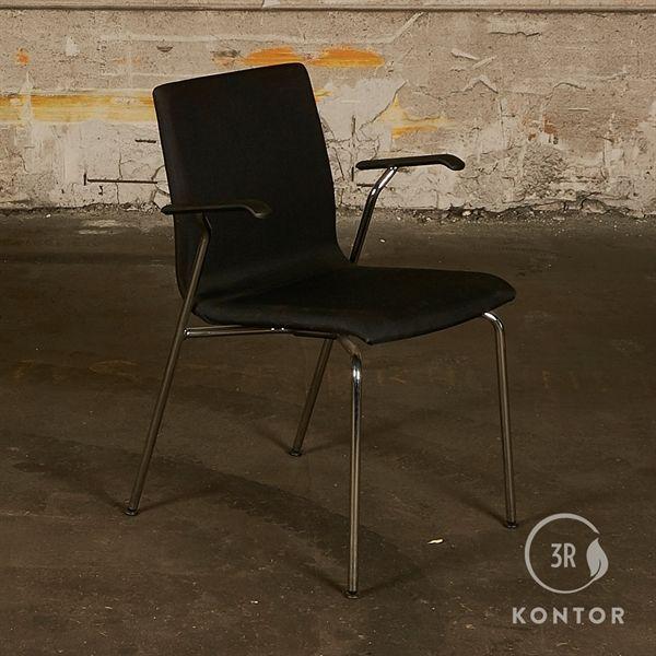 Savir Gate konferencestol. sort stof. krom ben. Med armlæn.
